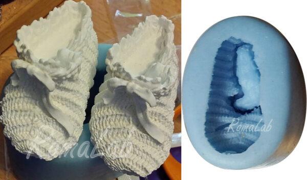 Piccolo STAMPO IN SILICONE azzurro a forma di babbuccia con fiocco per cake d 302591857707